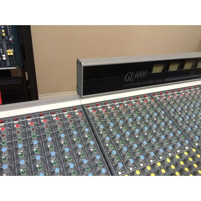Used Mixer Allen & Heath GL-4000 40ch + Flight Case